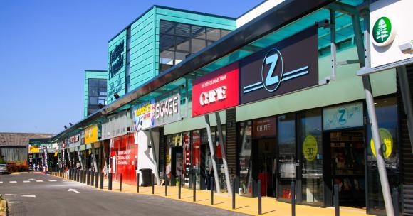Création de centres commerciaux en Morbihan: et si on demandait un moratoire?