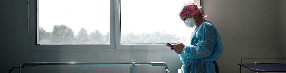 Coronavirus : les soignants sans prime ni réconfort