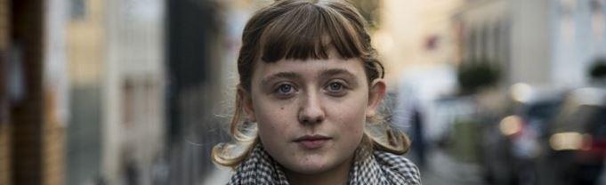 Hannah Nelson, journaliste : « Rester sur le terrain, partout où les gens se battent pour une vie meilleure »