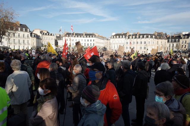 Nouvelles manifs à Vannes et Lorient le 5 décembre pour les libertés et les justices